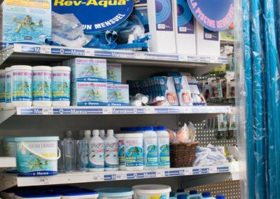 Retrouvez tous les produits indispensables à l'entretien de votre piscine