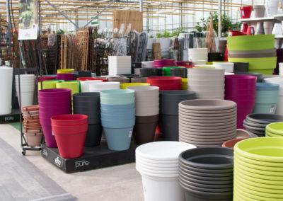 Découvrez notre large gamme de vases et pots pour vos fleurs et vos plantes